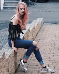 Schwarz/weißer Gürtel kombinieren: 'Schwarzer silberner Gürtel im Western Look' (Damen, Gürtel, schwarz, weiß, Bilder) | Style my Fashion