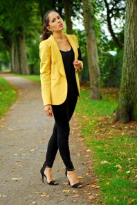 Black heels | Yellow moment | Style my Fashion