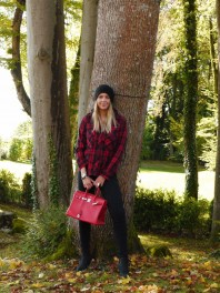 rot, schwarze Karobluse | Lady in Red | Style my Fashion