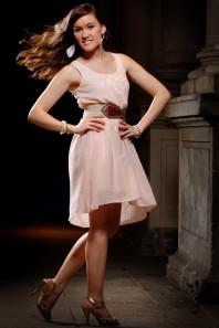 Goldene Sandaletten kombinieren: 'Goldene Sandaletten' (Damen, Schuhe, braun, gelb, Bilder) | Style my Fashion