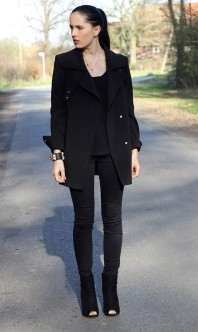 schwarze slimfit jeans kombinieren 39 skinny black jeans 39 damen jeans schwarz bilder style. Black Bedroom Furniture Sets. Home Design Ideas