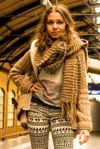 beige bedrucktes T-Shirt | Stylish durch B... | Style my Fashion