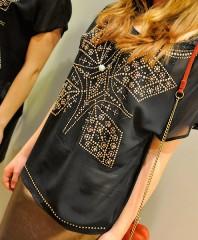 durchschimmernde Bluse mit Goldornamenten | Golden Girl | Style my Fashion