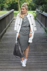 Kleid Klassisches Hellgraues Sneaker Und Kombinieren'graues FclTK1J