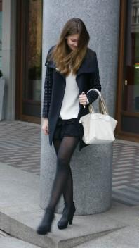 Blauer Mantel mit kleinen Rundnieten | just a good day | Style my Fashion