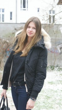 schwarze Winterjacket mit Fellkragen | all about black | Style my Fashion