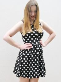 Schwarz/weißes klassisches Kleid kombinieren: 'Dots Dress' (Damen, Kleid, schwarz, weiß, Bilder) | Style my Fashion