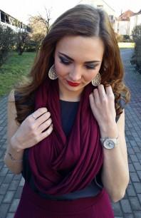 Dunkelroter Schal / Tuch kombinieren: 'bordeauxroter, leichter Schal' (Damen, Schal / Tuch, rot, Bilder) | Style my Fashion