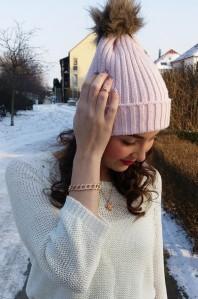 Rosefarbene Mütze kombinieren: 'rosa Strickmütze mit Bommel von Gina Tricot' (Damen, Hut / Mütze, rosa, Bilder) | Style my Fashion