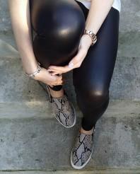 Schwarz/beige Sneakers kombinieren: 'snakeprint flats von H&M' (Damen, Schuhe, schwarz, braun, gelb, Bilder) | Style my Fashion
