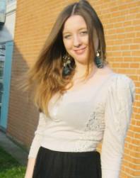 Beiges Sweatshirt kombinieren: 'leichtes Shirt' (Damen, Pullover / Sweater, braun, gelb, Bilder) | Style my Fashion