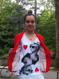 Schwarz/rot/weißes T-Shirt kombinieren: 'Queen Lenna T-Shirt' (Damen, Shirt, schwarz, rot, weiß, Bilder) | Style my Fashion