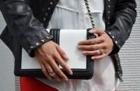 Schwarz/weiße Umhängetasche kombinieren: 'Black & White ' (Damen, Tasche, schwarz, weiß, Bilder) | Style my Fashion