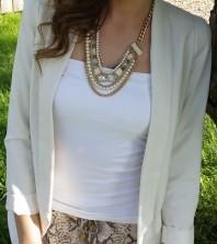 Gold/weiße Kette kombinieren: 'mehrreihige Kette in Gold mit Perlen ' (Damen, Schmuck, braun, gelb, weiß, Bilder) | Style my Fashion