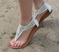 Weiße Sandaletten kombinieren: 'Cutout Sandaletten in weiß von Forever21' (Damen, Schuhe, weiß, Bilder)   Style my Fashion