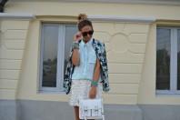 schlichte, legere mintblaue Bluse | Palmen und Lede... | Style my Fashion