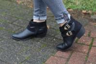 Schwarze Stiefeletten kombinieren: 'schwarze Boots von New Look' (Damen, Schuhe, schwarz, Bilder) | Style my Fashion