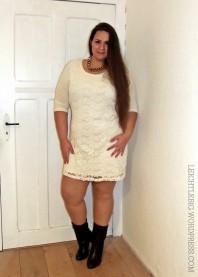 Beige/weißes klassisches Kleid kombinieren: 'Plus Size Fall Dress' (Damen, Kleid, braun, gelb, weiß, Bilder) | Style my Fashion