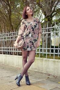 Das Blumenprintkleid