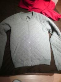 Silberne Sportjacke kombinieren: 'graue lockere sportliche Jacke für Freizeit ' (Damen, Jacke, grau, Bilder) | Style my Fashion