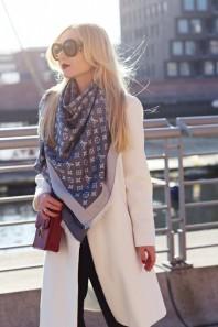 Taubenblauer Schal / Tuch kombinieren: 'LV shawl' (Damen, Schal / Tuch, blau, Bilder) | Style my Fashion