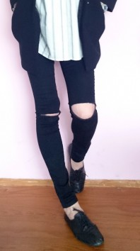Meine Ripped Knee Jeans