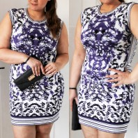 Dunkelblau/blau/weißes klassisches Kleid kombinieren: 'Ornament Etui Dress' (Damen, Kleid, blau, weiß, Bilder) | Style my Fashion