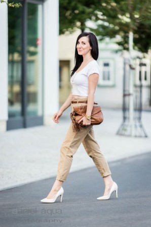 Chinos and cropped top | Style my Fashion