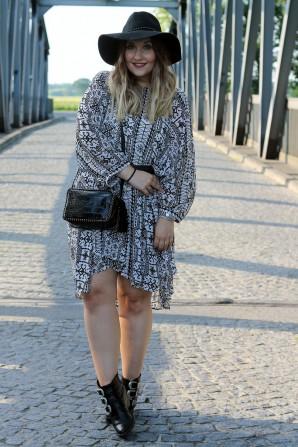 Gemustertes Kleid   Style my Fashion