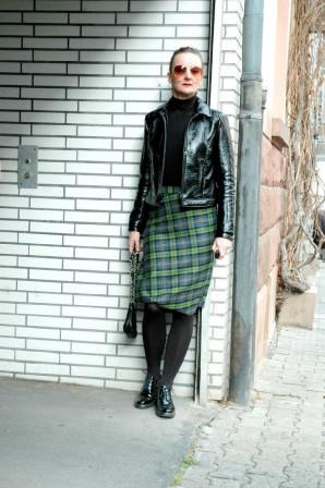 Citystyle: Tartan Pencil Skirt & Patent Leather Jacket | Style my Fashion