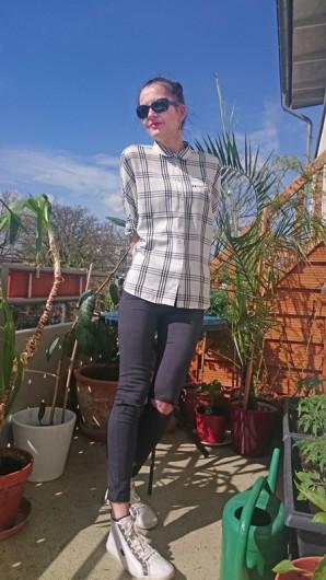 PLAID SHIRT,  RIPPED KNEES & FRINGE BAG   Style my Fashion
