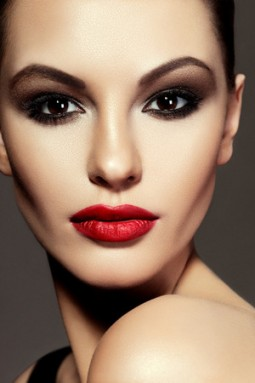 Atemberaubende Smokey Eyes schminken | Style my Fashion