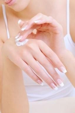 Hautpflege: So bleibt eure Haut strahlend schön    Style my Fashion