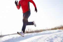 Fit durch die kalte Jahreszeit - Die passenden Sportschuhe für den Winter