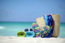 Strand-Accessoires: Coole Begleiter für den Tag am Meer | Style my Fashion