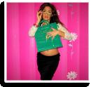 Accessorires mit grüner Tasche und schwarzem eleganten Rock | Style my Fashion